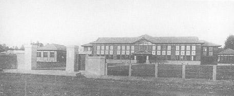 昭和5年:設立当時の本校舎